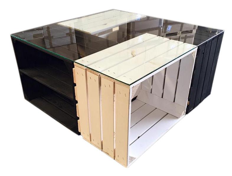 m bel couchtisch aus wei en und schwarzen apfelkisten. Black Bedroom Furniture Sets. Home Design Ideas