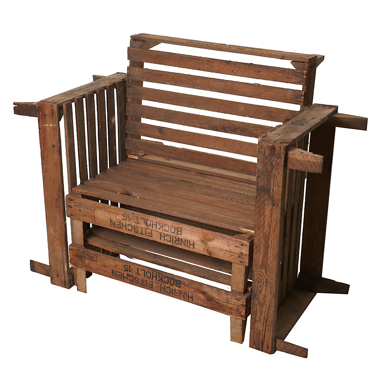 sitzgelegenheiten bequeme sitzgelegenheit aus alten stabilen holzkisten 85x103x54cm. Black Bedroom Furniture Sets. Home Design Ideas