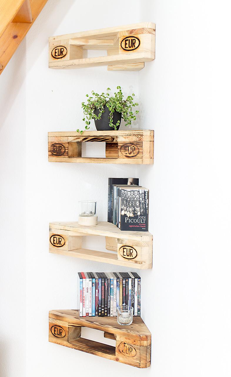 palettenm bel 4er set eckregal aus palettenholz nach. Black Bedroom Furniture Sets. Home Design Ideas