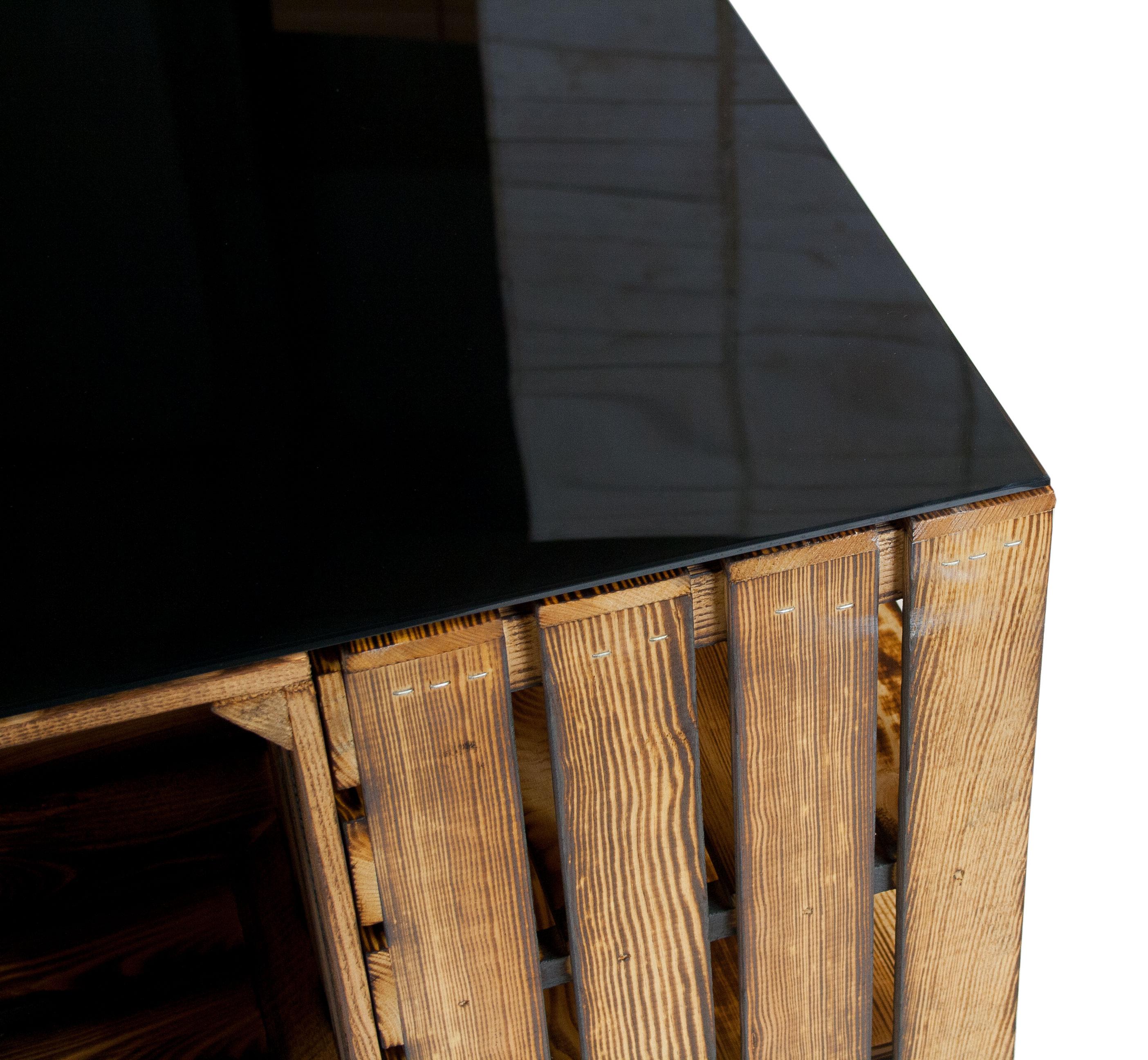 geflammter couchtisch aus apfelkisten mit rollen inkl schwarzer glasplatte 81x81x44cm. Black Bedroom Furniture Sets. Home Design Ideas