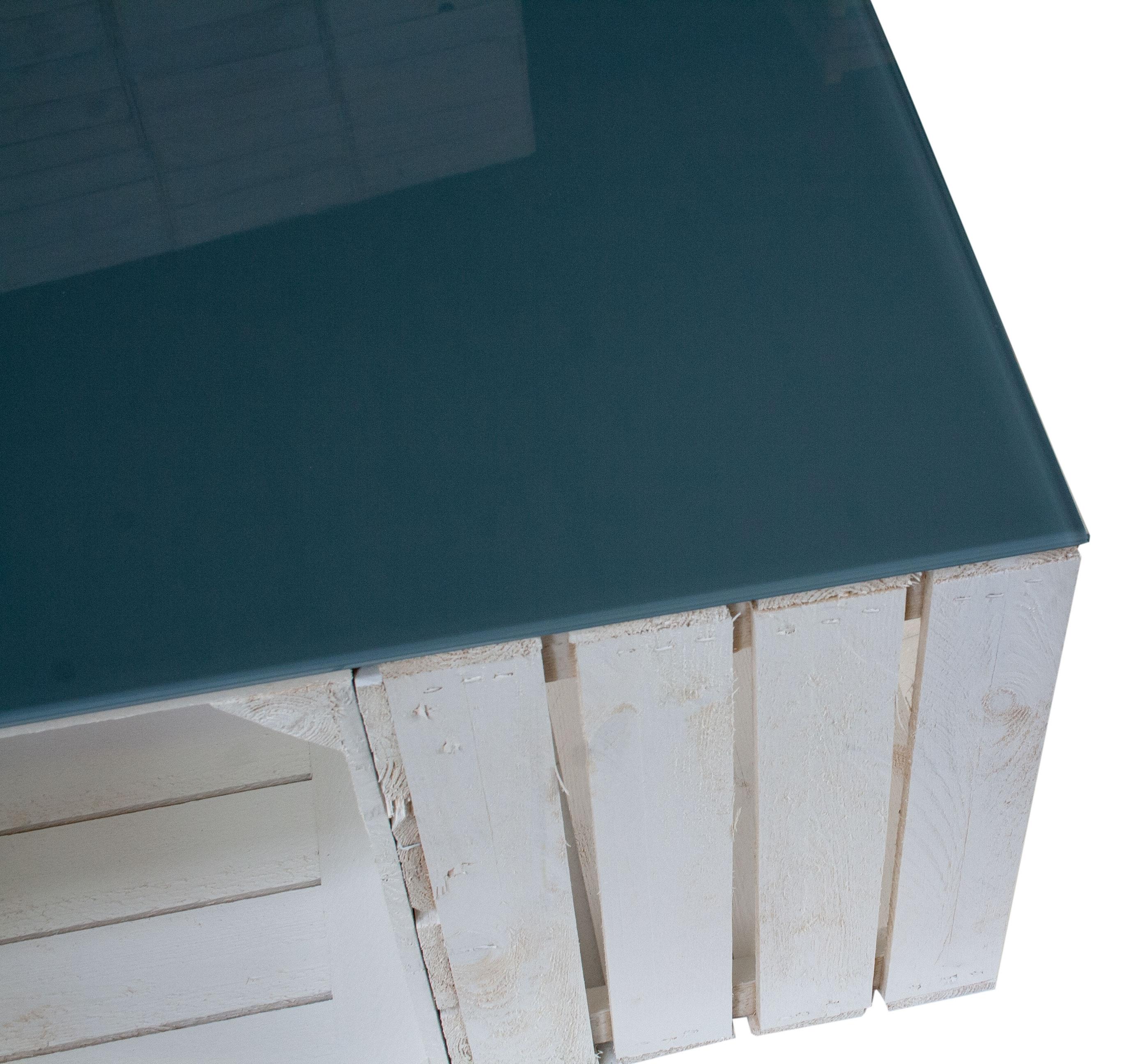 m bel couchtisch aus wei en apfelkisten und grauer glasplatte 81x81x44cm. Black Bedroom Furniture Sets. Home Design Ideas
